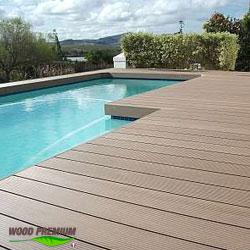 Pavimenti Legno Per Piscine Esterne.Legno Composite Wood Premium Per Bordi Piscina E Terrazze