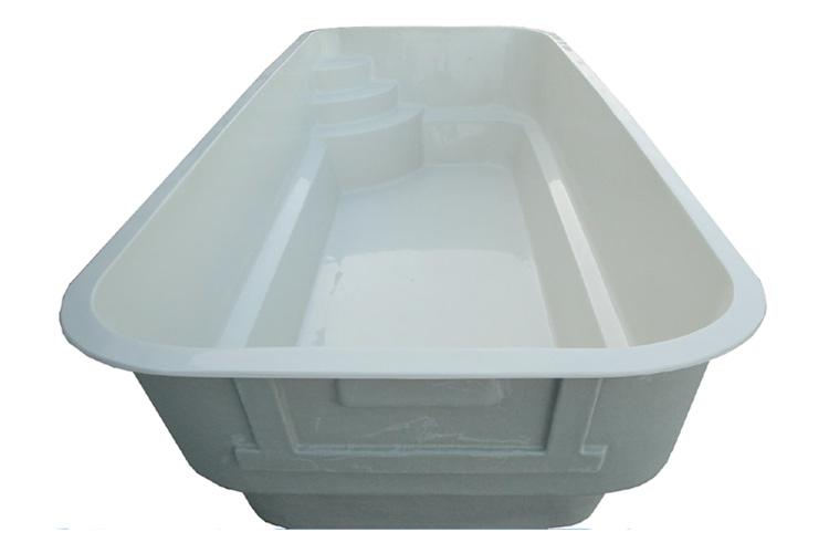 Vasche In Resina Per Piscine.Piscina In Monoblocco Di Vetroresina Lia